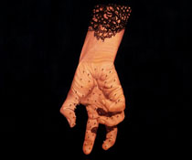 manos-97